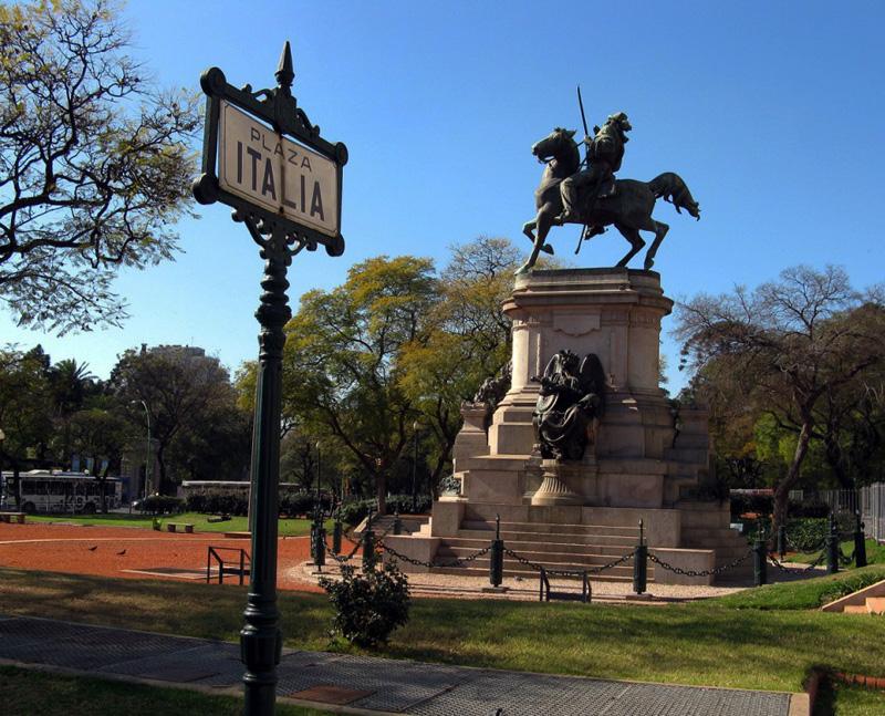 Plaza Italia - Barrio Palermo