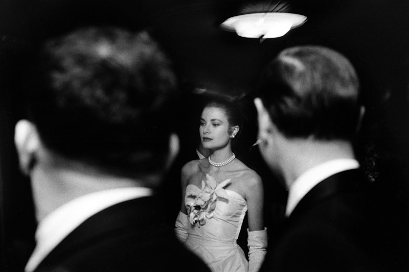 Elliott Erwitt © - Engagement party of Grace Kelly - New York 1956