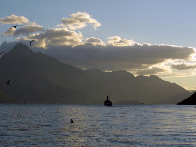 Sunset view in Queenstown - New Zealand